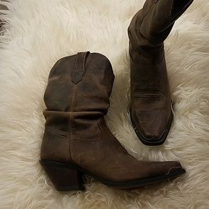 Short cowgirl boots